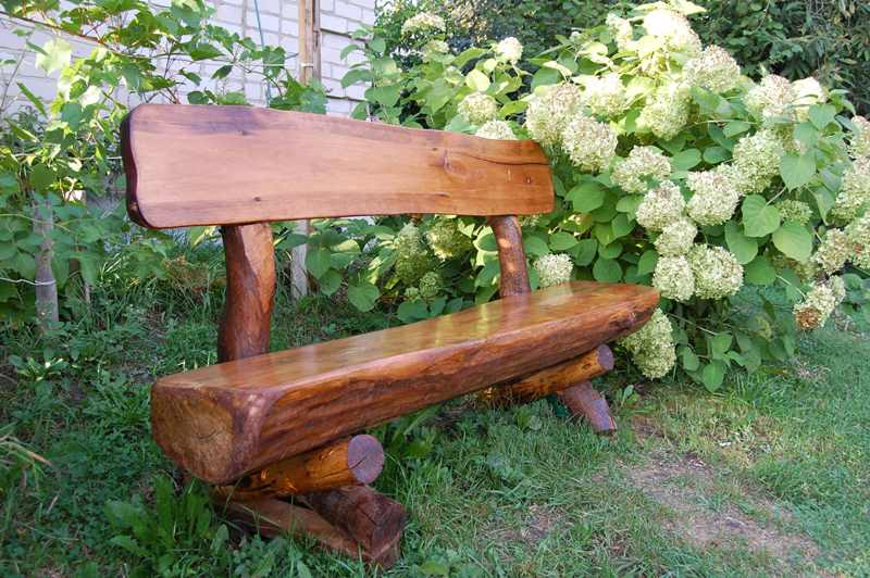 Скамейку из бревна
