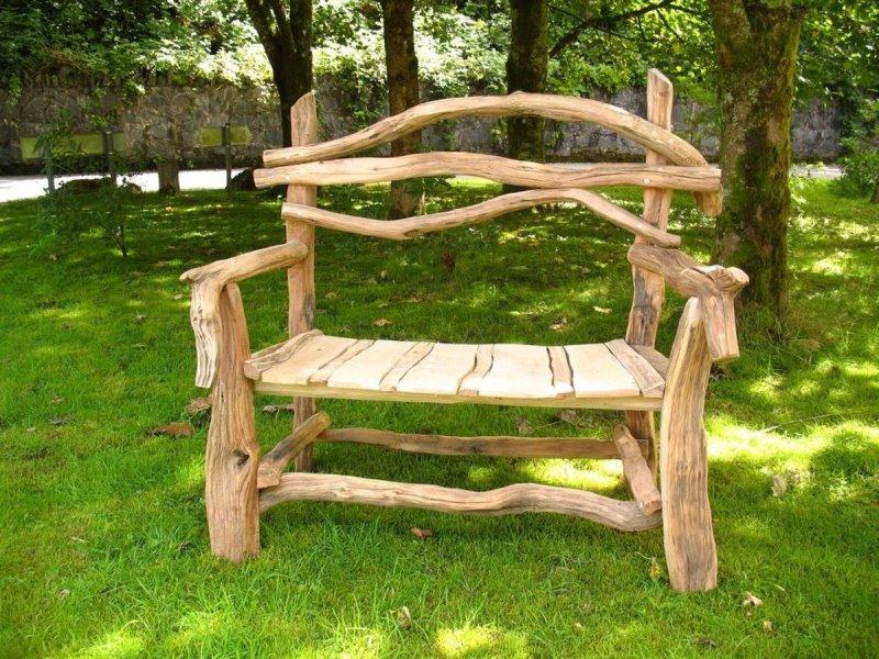 Скамейки из коряг