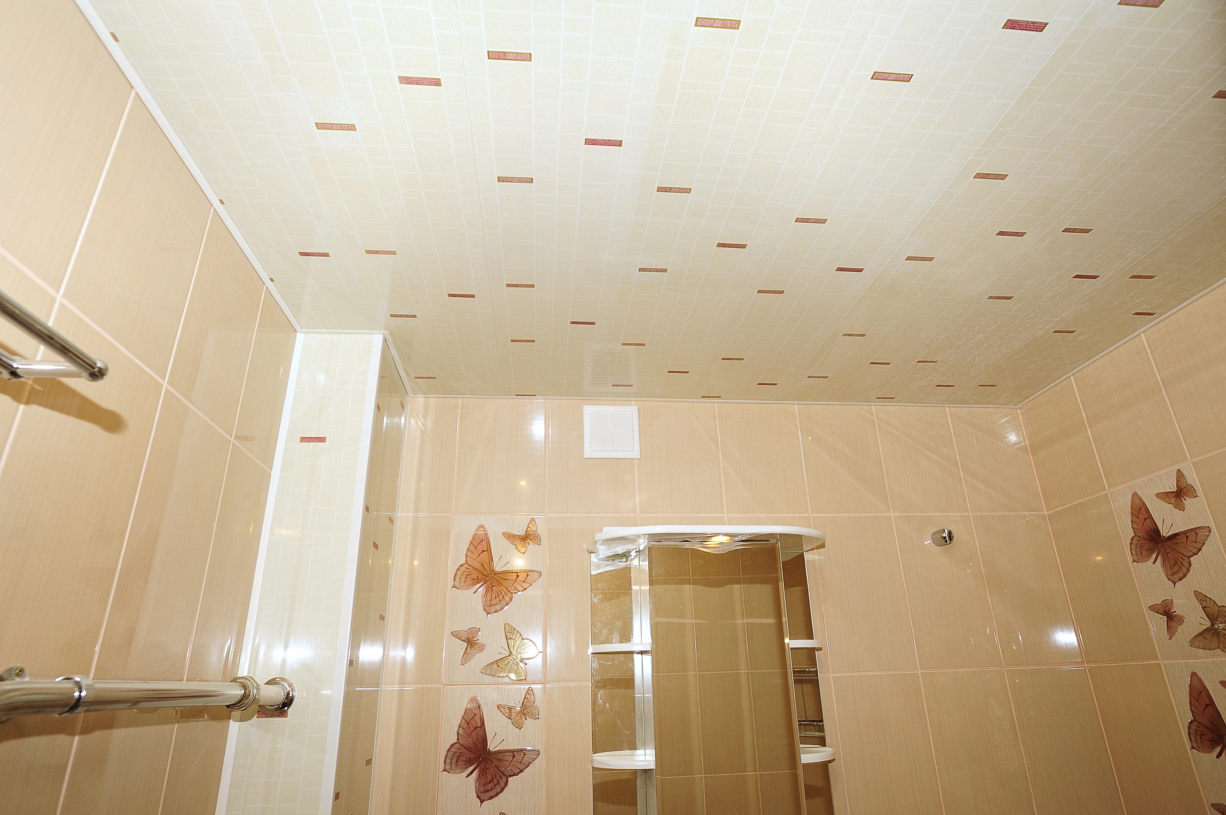 Потолок из панелей в ванной комнате своими руками фото