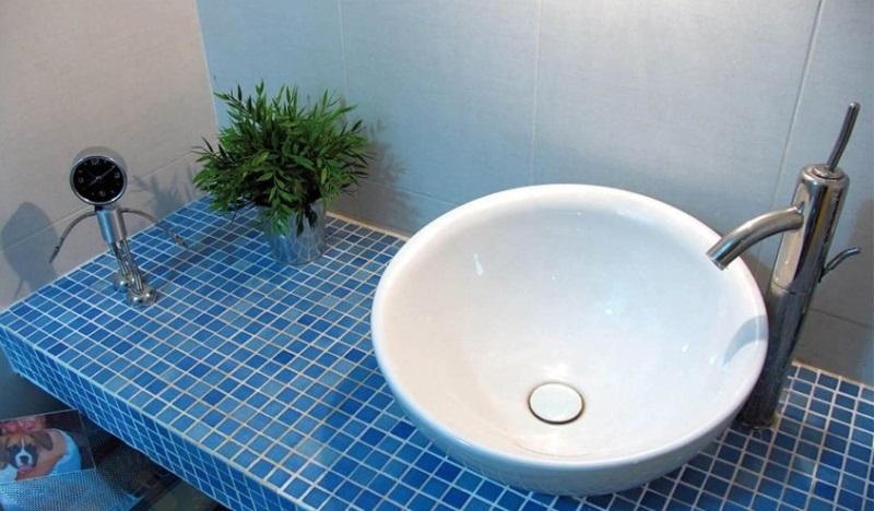 Раковины из мозаики в ванной своими руками 23