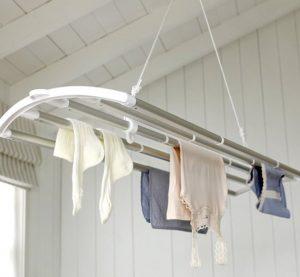 Какой может быть сушилка для белья на балкон