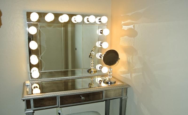 Выбор и изготовление столика для макияжа с зеркалом