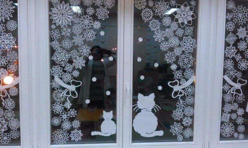 Какие можно соорудить новогодние украшения на окна своими руками