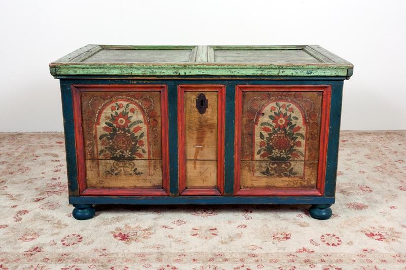 Как производится реставрация старой мебели своими руками