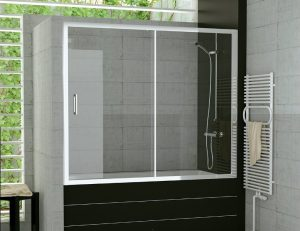Какими бывают стеклянные раздвижные шторки для ванной? Монтаж