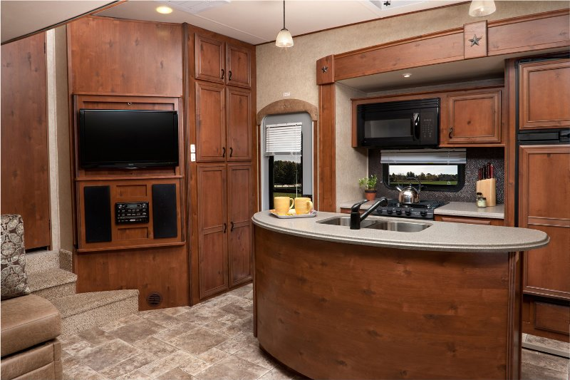 Выбор и установка телевизора на кухню