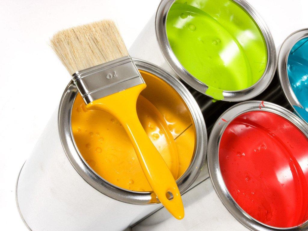 Водоэмульсионная краска для стен и потолков: критерии выбора и варианты использования в дизайне