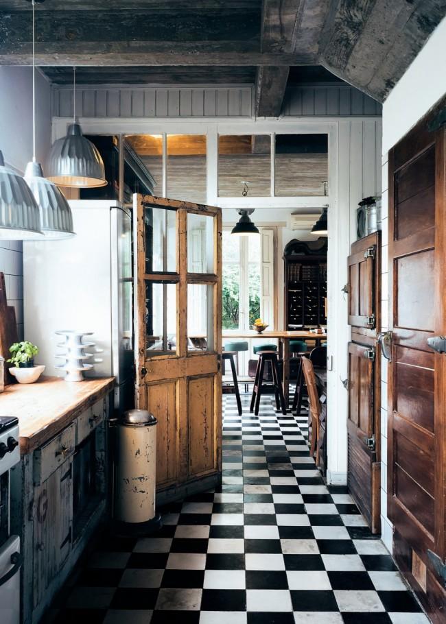 Какой должна быть плитка для кухни на пол?