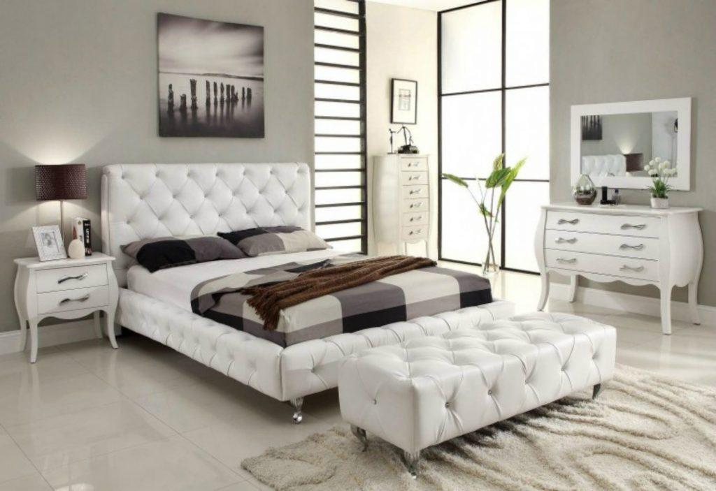 Идеи прикроватных тумбочек белого цвета в интерьере спальной