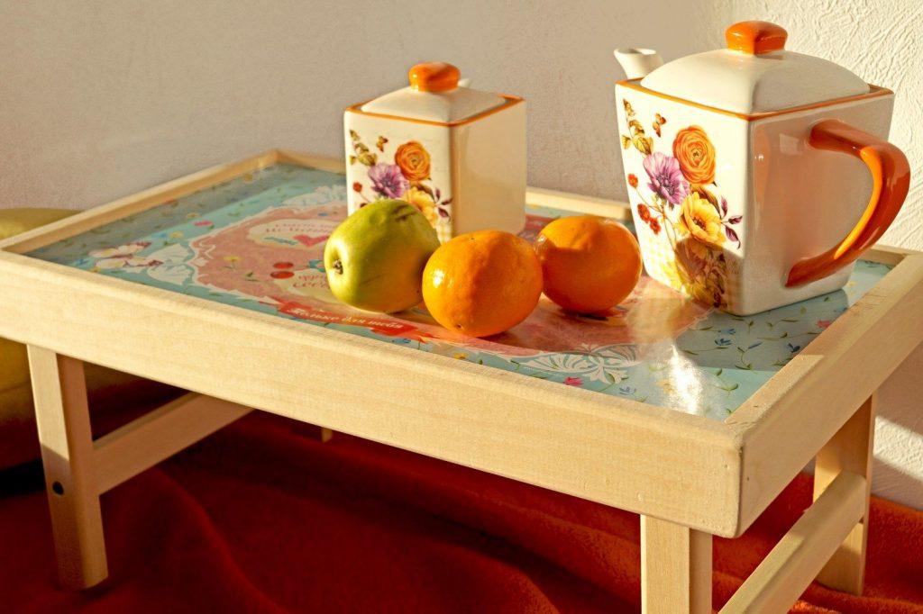 В помощь домашнему мастеру: столик для завтрака в постель