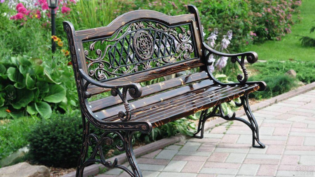 Преимущества чугунных скамеек